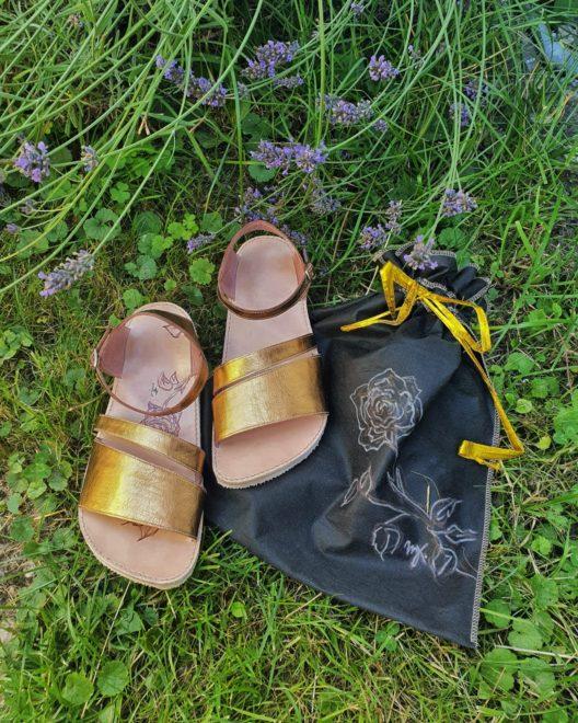 Bronzové sandály